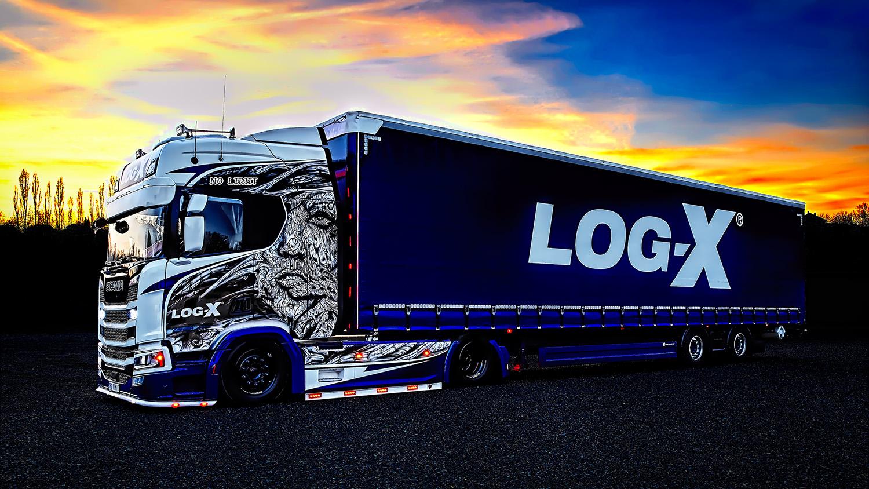 Noční fotka Kamionu Scania 1NO LIMIT s návěsem Berger Ecotrail společnosti LOG-X od Jan Stojan Photography ©