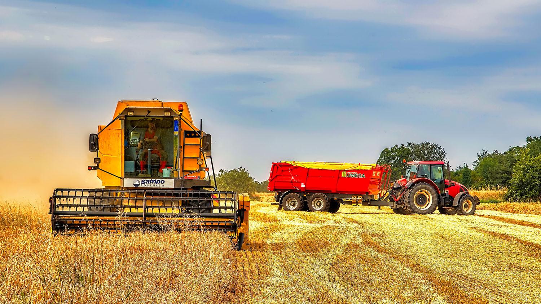 Fotka traktoru Zetor 11441 Fronterra přívěs Umega a kombajn Sampo Rosenlew 2065 od Jan Stojan Photography ©