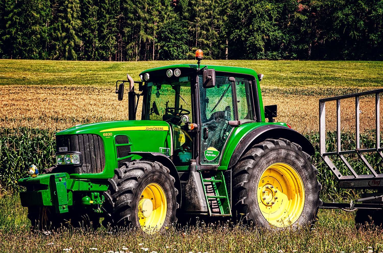 Fotka traktoru John Deere 6830 Premium na Vysočině od Jan Stojan Photography ©