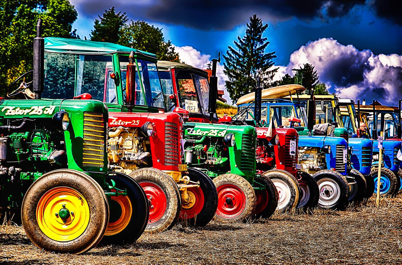 Fotka barevných traktorů Zetror od Jan Stojan Photography ©