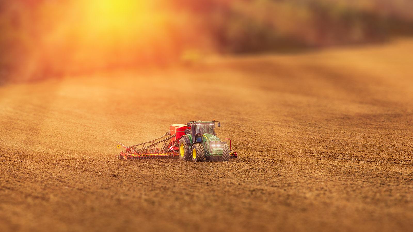 Fotka traktoru John Deere setí řepky na Vysočině od Jan Stojan Photography ©