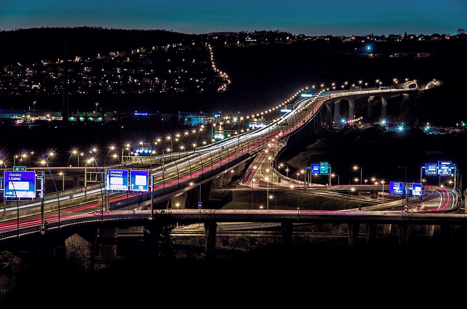 noční fotka Radotínský most Pražského okruhu od Jan Stojan Photography ©