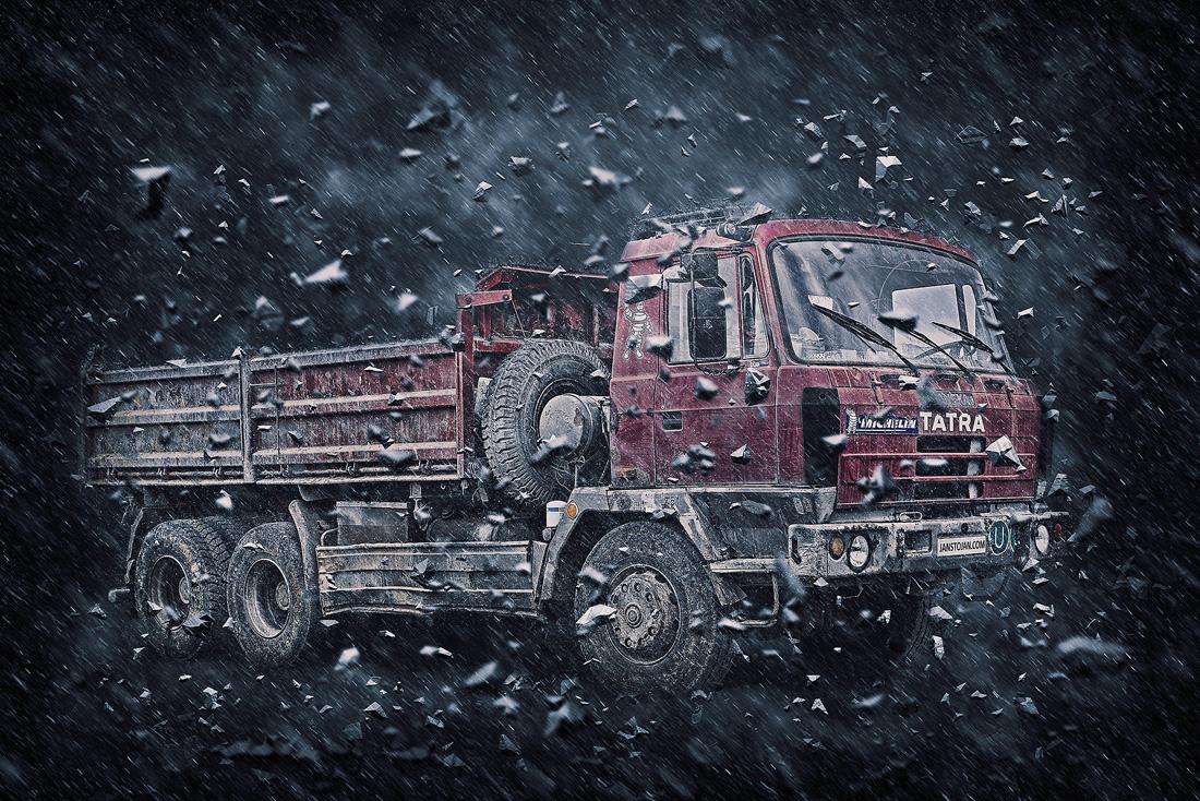 Tatra 815 6x6 třístranný sklápěč v bouři