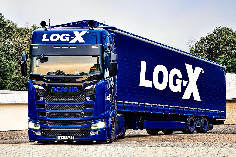 Truck Scania IAM BEST1 s návěsem Berger Ecotrail společnosti LOG-X od Jan Stojan Photography ©