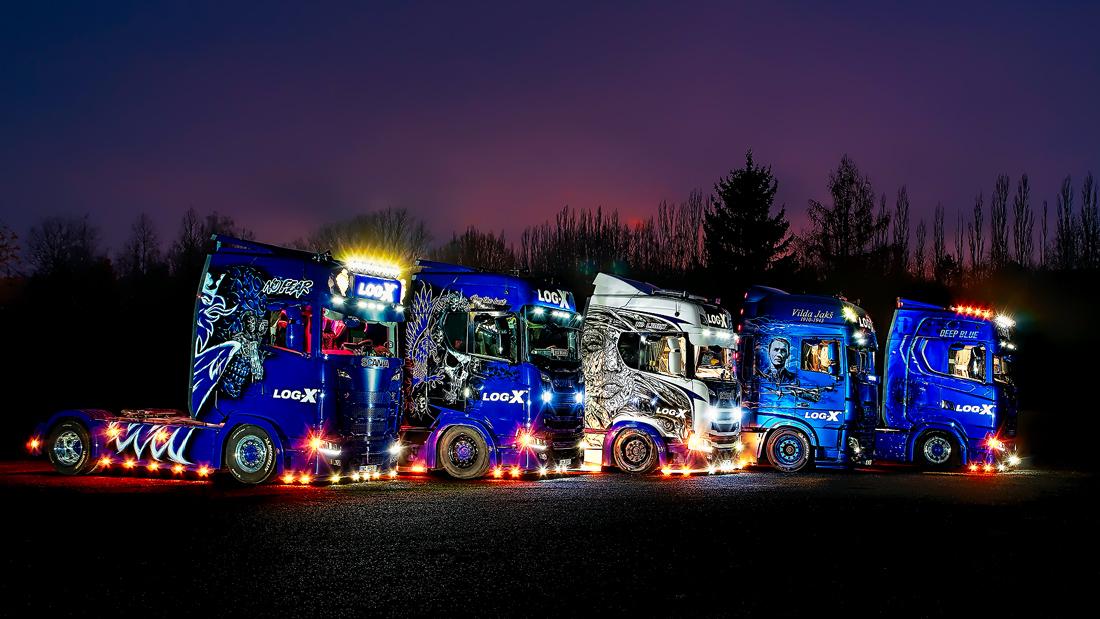 Top truck logistické společnosti LOG-X v noci od Jan Stojan Photography ©