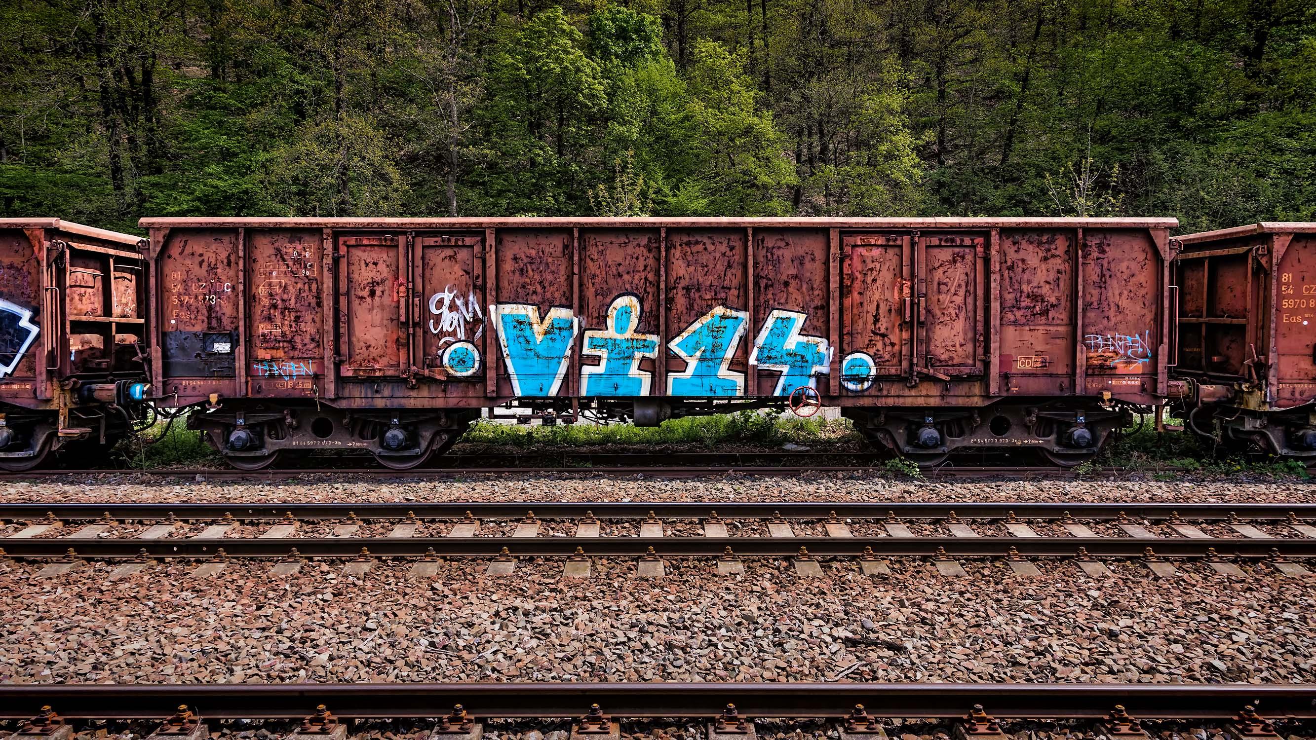 starý železniční nákladní vagon na nádraží ve Zbraslavi u Prahy od Jan Stojan Photography ©