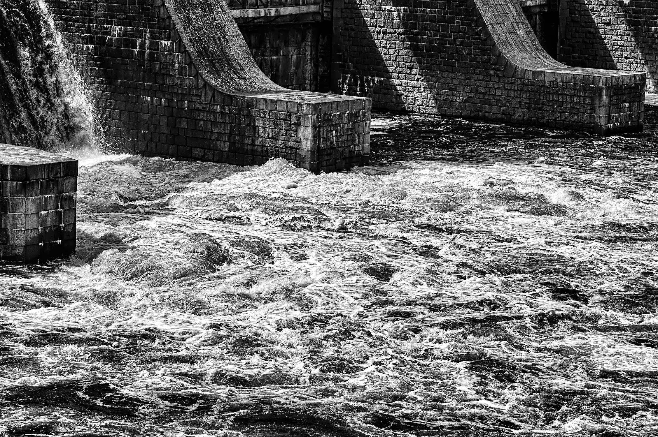 vařící voda hráz vrané nad vltavou od Jan Stojan Photography ©