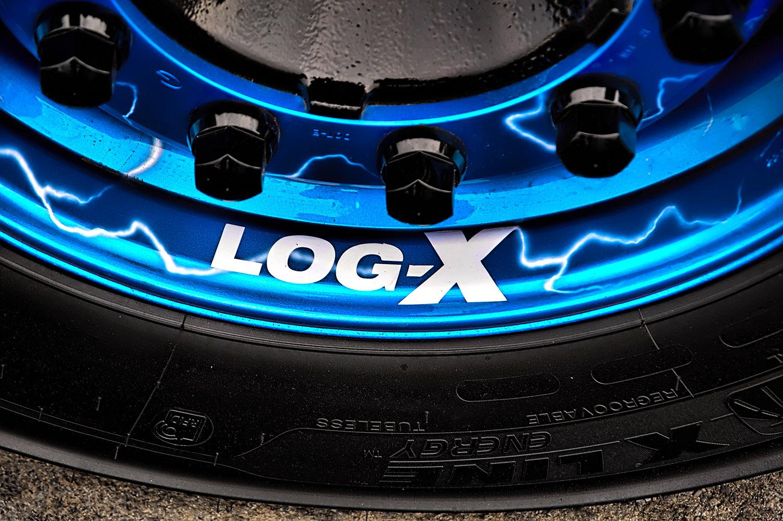 Detail předního kola tahače DAF THE BOXER, Vilda Jakš, společnosti LOG-X od Jan Stojan Photography ©