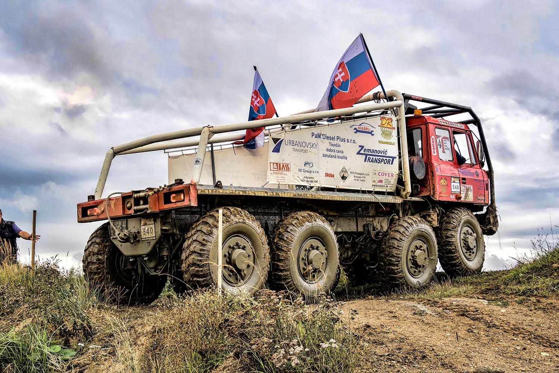 Tatar 8×8 KOLOS na truck trialu v Jihlavě
