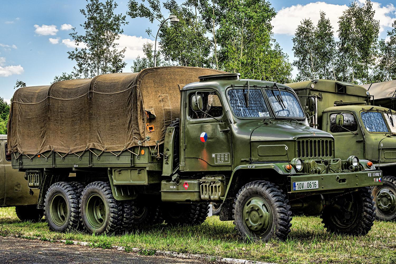 Vojenská Praga V3S plachta